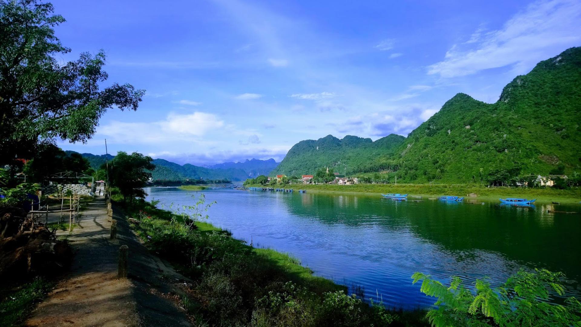 Song Son River